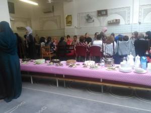 صورة من الحفل الخاص بجيران مسجد الرسالة